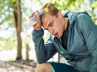 आपकी इम्युनिटी के कमजोर होने का मुख्य कारण है आपकी ये 5 आदतें