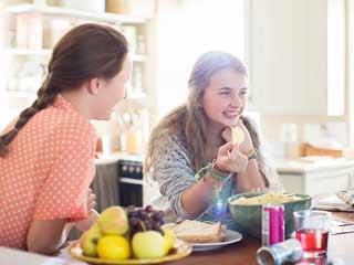 3 घरेलू नुस्खों को अपनाएं, बच्चे की भूख बढ़ाएं