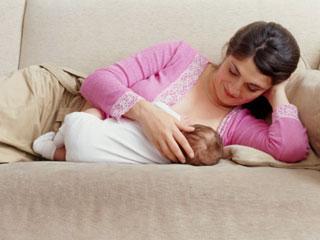 ब्रेस्टफीडिंग करता है महिलाओं में हार्ट अटैक का खतरा कम