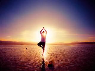 योग उतना भी सुरक्षित नहीं है जितना माना जाता है : शोध