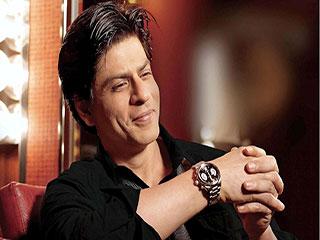 पहली बार किसी आउटडोर जिम में दिखे शाहरुख, देखें वीडियो