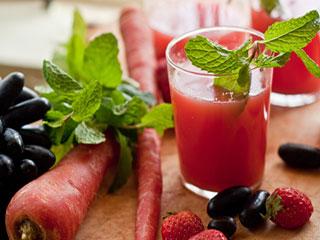 डायबिटीज और कैंसर से बचाता है गाजर, अदरक का जूस