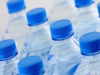 खराब न होने के बावजूद पानी की बोतल पर क्यों लिखी होती है एक्सपायरी, जानिए