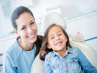 वर्ल्ड ओरल हेल्थ डे: दांतों को रोगमुक्त करने के 5 टिप्स