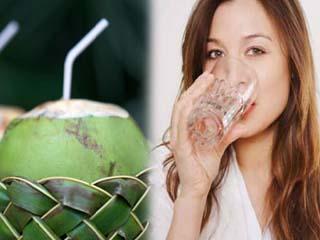 गर्मियों में नारियल पानी पीने से होते हैं चौंकाने वाले फायदे