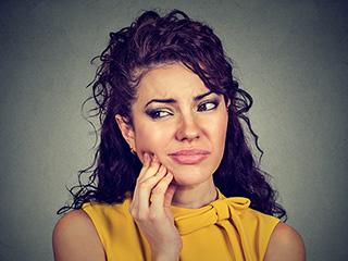 दांतों में होने वाली तेज झंझनाहट को दूर करेंगे ये नुस्खे