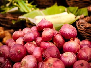 Here is how red onions help in curing Asthma