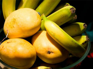 सावधान !! ये फल आपको बना सकते हैं कैंसरग्रस्त