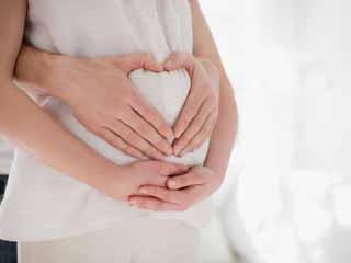 एचआईवी संक्रमित महिलाओं के लिए है खुशखबरी, गर्भास्थ में शिशु को रख सकती हैं सुरक्षित