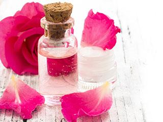 अगर चुटकियों में चाहिए निखरी त्वचा, तो ऐसे करें गुलाबजल कर इस्तेमाल