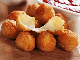 Lip-smacking cheese snack recipes that can add flavour to your weekend