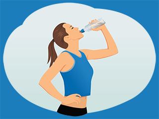 खतरनाक हो सकता है खड़े होकर पानी पीना, जानें कैसे
