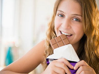 हार्टअटैक के खतरे को कम करता है 1 चॉकलेट बार, जानें कैसे
