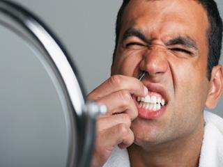 पुरूषों के लिए बेस्ट हैं नाक के बाल काटने के ये 7 तरीके