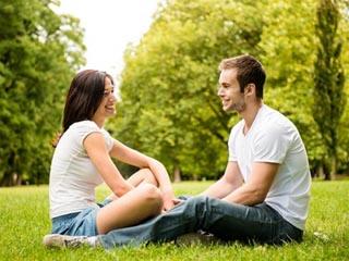 शादी से पहले अपने पार्टनर से इन 4 विषयों पर जरूर कर लें चर्चा
