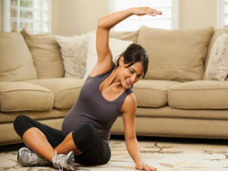 To be moms can stay in shape with prenatal yoga