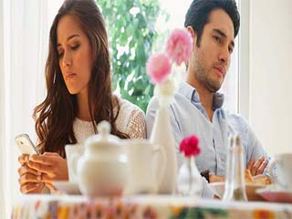 पार्टनर की इन 5 आदतों को जानकर ही शादी के लिए कहें 'हां'
