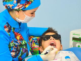 दांतों में गंदगी से होती है जानलेवा बीमारी, ऐसे करें मुंह की सफाई