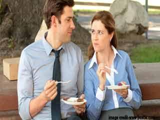 रिश्तों में मिठास चाहते हैं तो पार्टनर के साथ डेट पर जरूर जाएं