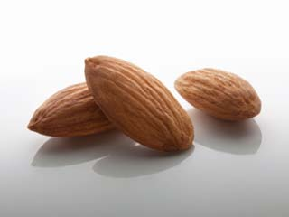Correlation between almonds and weight gain