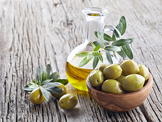 Fake olive oil is everywhere: How to check that yours is real