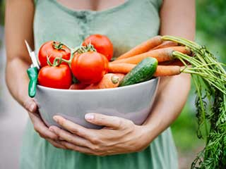कैंसर, गंजापन और शुगर से बचने के लिए क्या खाएं, क्या ना खाएं