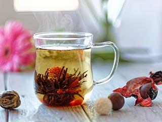 Reasons why you must replace your green and black tea with oolong tea