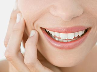 सिर्फ 2 मिनट में दांतों का पीलापन दूर करता है ये एक नुस्खा