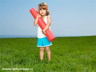 बच्चों में आलस्य और डर को दूर करता है ये 3 योगासन