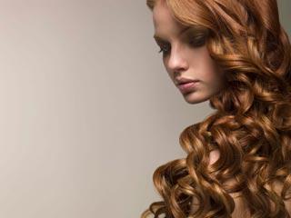 बालों का दोबारा नेचुरल कलर पाने के लिए अपनाए ये आसान टिप्स