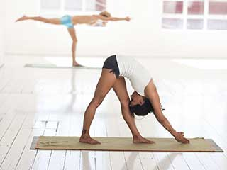 Know the Difference Between Bikram and Hatha Yoga
