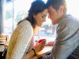 किस करने से हो सकता है मोनोन्यूक्लियोसिस <strong>रोग</strong>, ऐसे करें बचाव