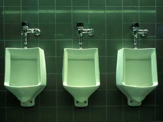 Using public toilets can give you these infections
