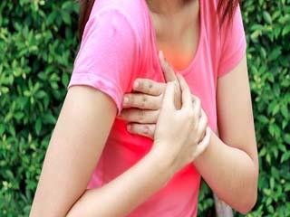 हार्ट अटैक का कारण बन सकता है कम उम्र में पीरियड्स आना : शोध