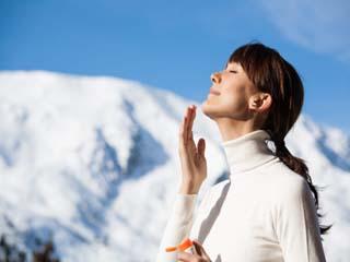 सर्दियों में भी जरूरी है सनस्क्रीन, जानें कितना होना चाहिए एसपीएफ