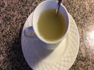 रोज सुबह पीएं लहसुन वाली चाय, होंगे ये 5 चमत्कारिक फायदे