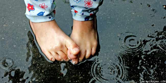 How to Take Care of Your Feet During Monsoon