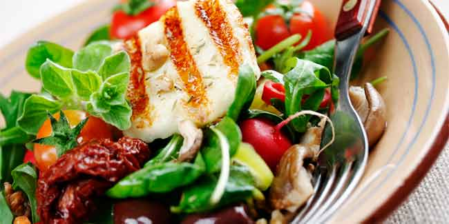 Mediterranean Diet Might Help Stave Off Dementia