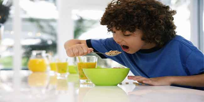 Serve food for Kids in Smaller Bowls and Plates to Stop them from Overeating