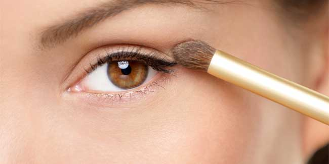Softly Smudged or Subtle Sooty- Learn How to Do Eye Make-Up Step-By-Step