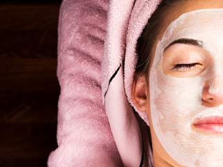 5 Best <strong>homemade</strong> facials for glowing skin