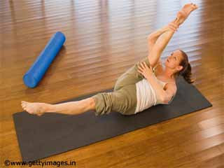 Single Leg Circles - Pilates Exercise 8 for <strong>Beginners</strong>