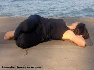 <strong>Yoga</strong> for Stress Management - Supta Udarakarshanasana