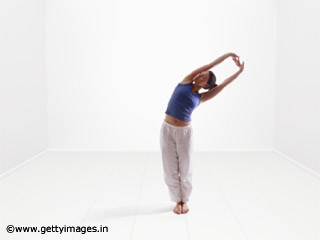 Half Moon Pose to <strong>Lose</strong> <strong>weight</strong>