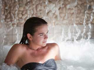 Let Water Take Away Your Troubles: Try <strong>Hydrotherapy</strong> for Depression and Anxiety