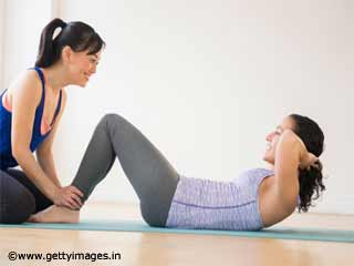 <strong>Exercises</strong> For Women - Basic Crunch