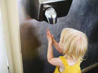 Modern Hand Dryers can Give <strong>Bacteria</strong> to their Users, Warns Study