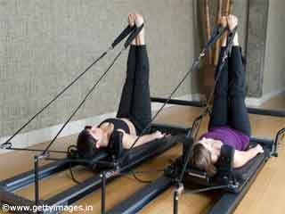 Leg Circles Pilates Reformer <strong>Exercise</strong>