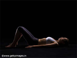 Pelvic Tilts - Pilates Exercise 1 for <strong>Beginners</strong>