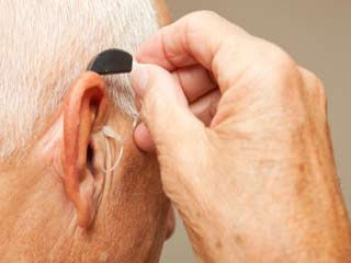 How to Choose a <strong>Hearing</strong> Aid